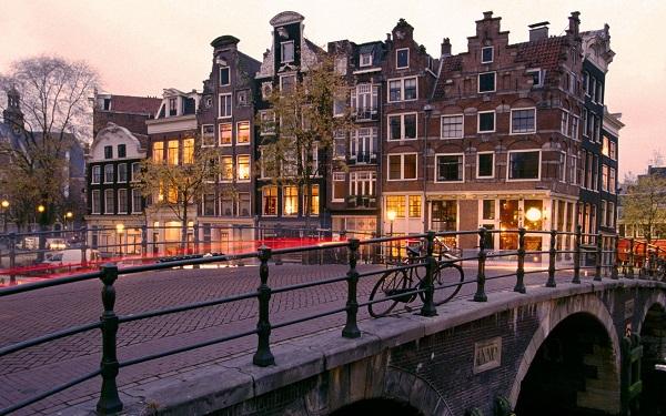 amsterdam3600